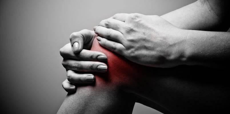 Bolečine v kolenu so pogosta posledica kalcinacije