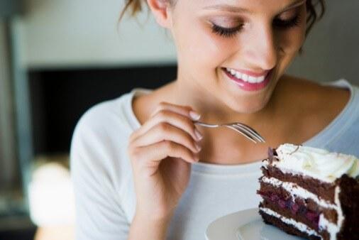 hormonsko-neravnovesje-9-znakov-da-vas-mucijo-hormoni-in-kako-si-lahko-pomagate