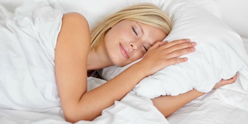 gallery-1479853403-woman-sleeping-980
