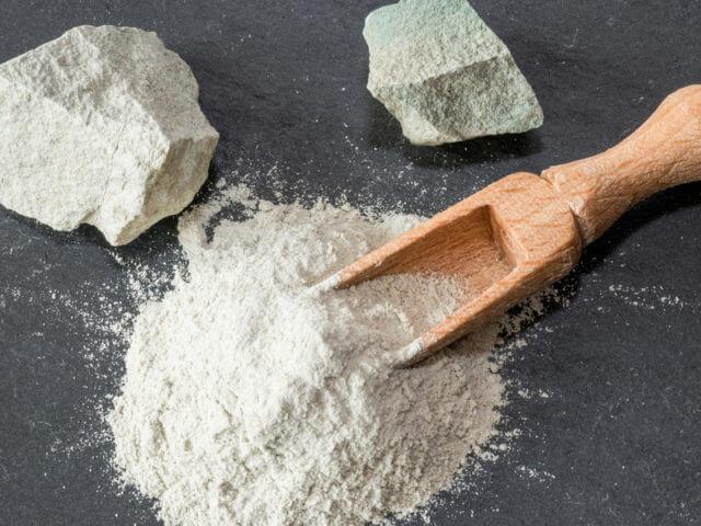 zeolit-23-tezav-pri-katerih-je-ta-vulkanski-mineral-zelo-ucinkovit