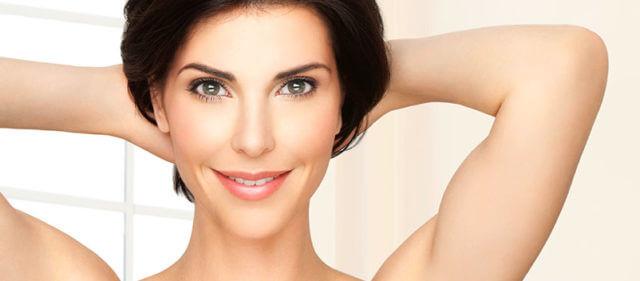 kolagen-kateri-je-najboljsi-in-kako-si-lahko-pomagate-do-sijoce-koze-mocnih-las-trdnih-nohtov-kosti-in-sklepov
